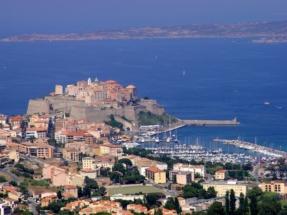 Calvi, sa citadelle et son port de plaisance